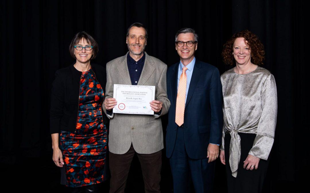 """Ricardo Arguís, de Aulas Felices, ganador de premio """"Positive Educator Impact Award""""."""